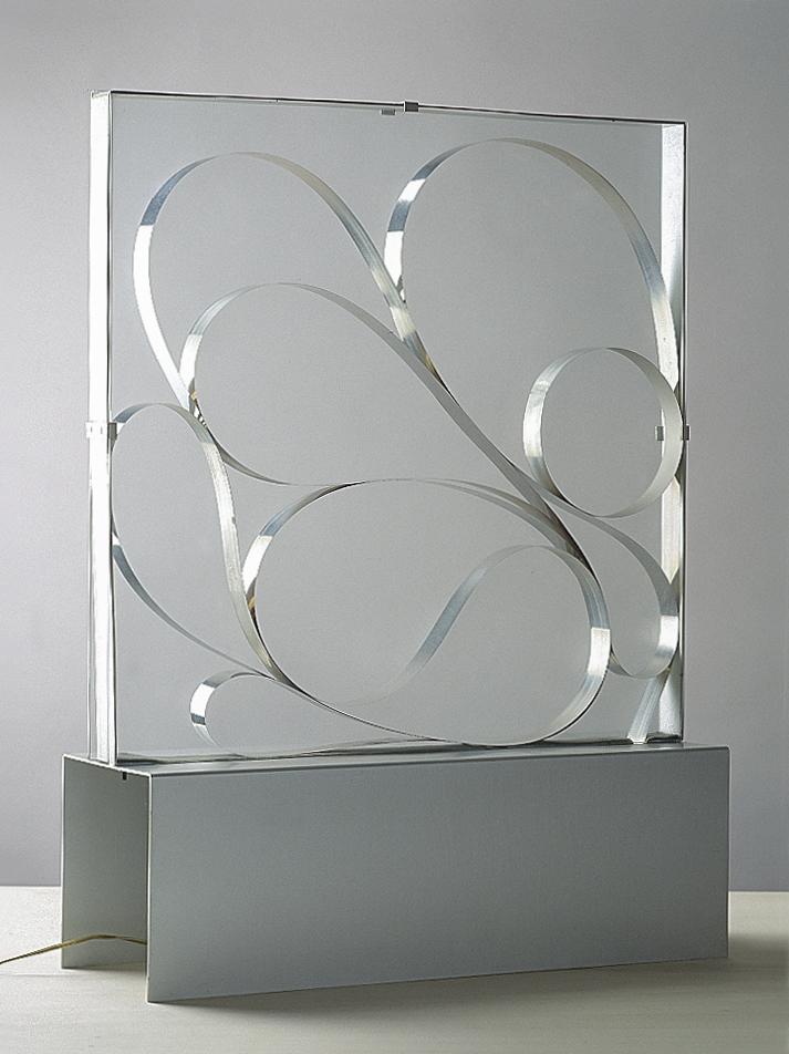 Strutturazione fluida, 1960 acciaio, vetro, alluminio, animazione elettromeccanica cm 45x15x60h