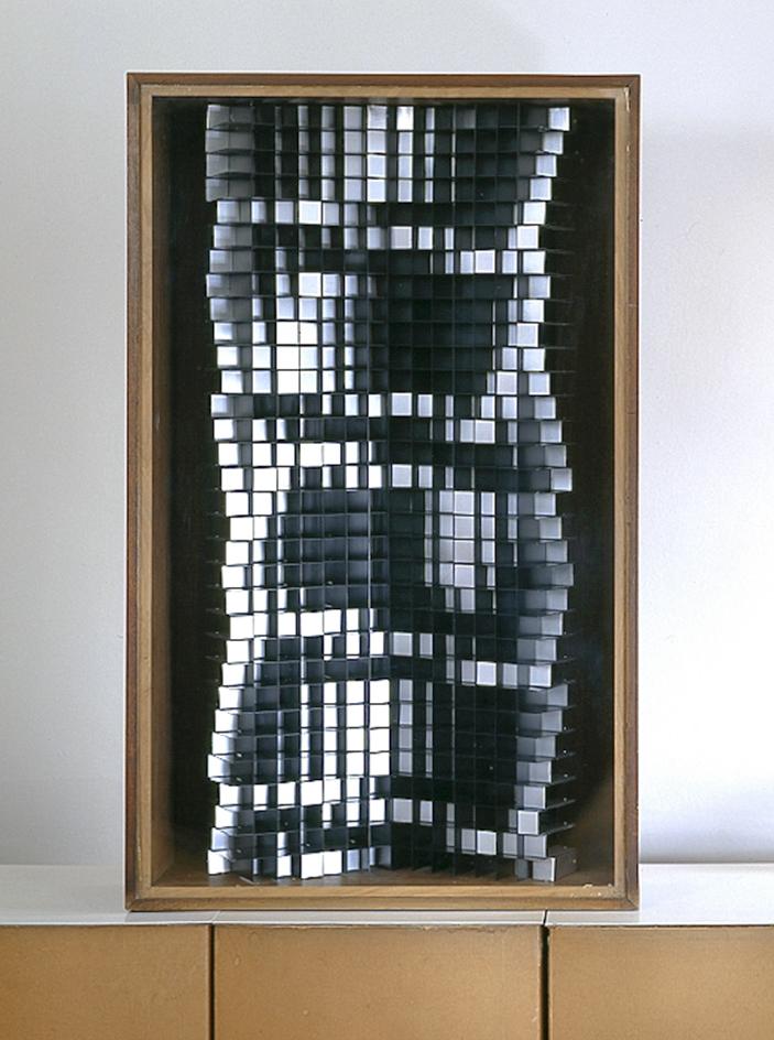 Struttura n°753, 1964 alluminio anodizzato naturale e nero cm 62,5x21x102h